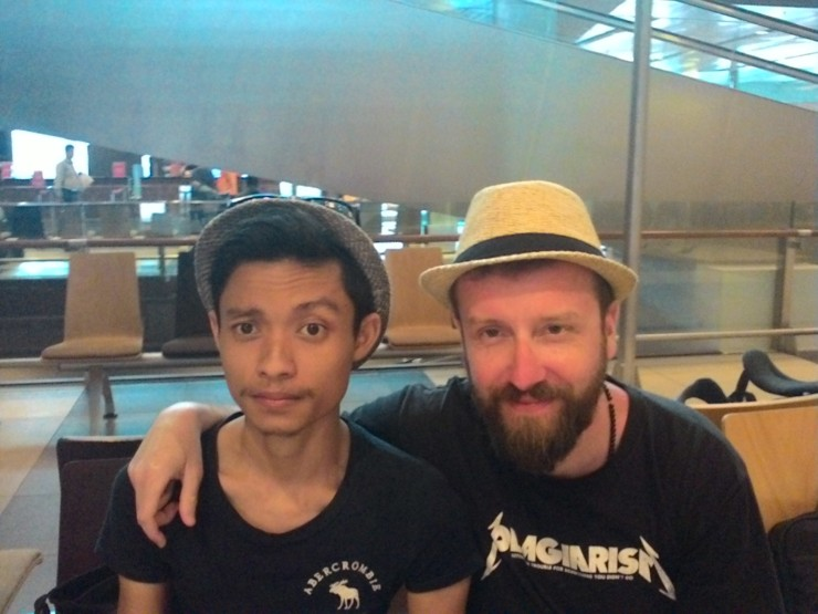 Met Rafal from Poland, he was heading to Singapore and was kinda lost, while im heading back home.I offered my help to tour him around. Still keeping in touch.